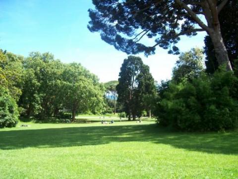 Genova i parchi di Nervi con i suoi prati