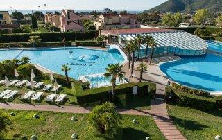 Loano 2 Village piscina
