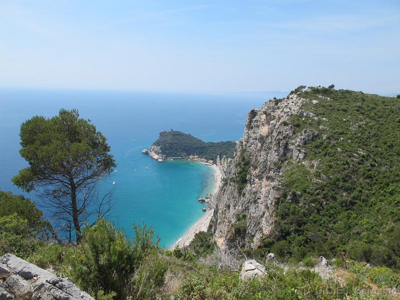 Panorama sul mare nella passeggiata tra Varigotti e Noli