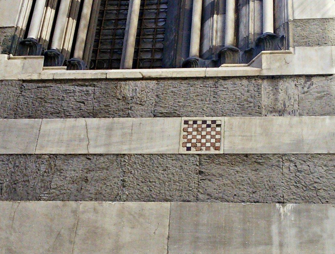 Genova Cattedrale di San Lorenzo particolare della scacchiera