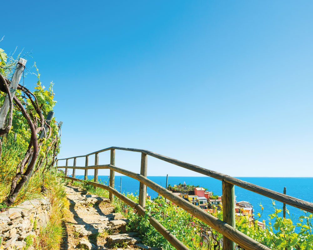 Liguria - Terra e mare vista dall'alto