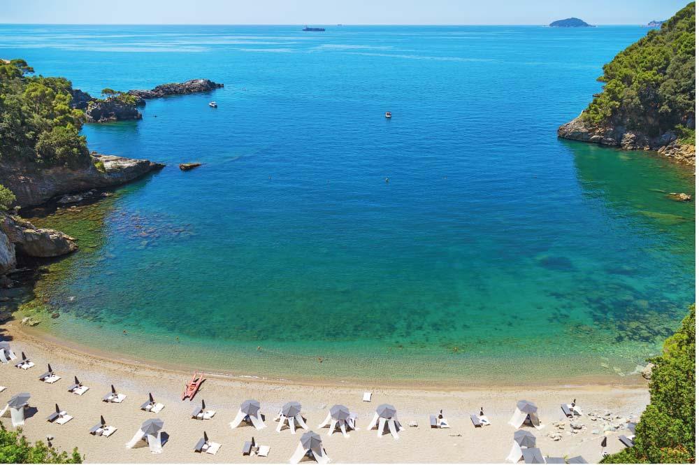 spiaggia attrezzata liguria mare