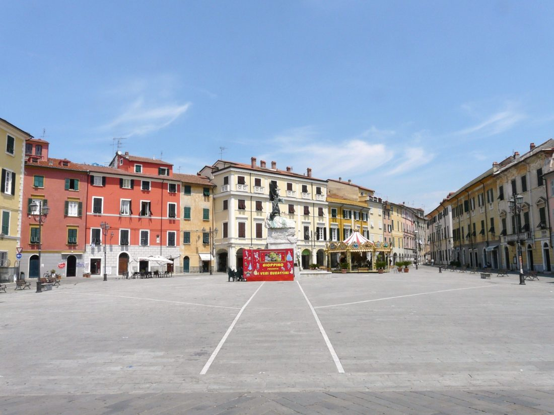 Sarzana-piazza_Matteotti