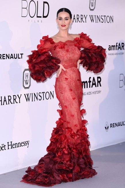 Katy Perry en robe Marchesa gown et bijoux Harry Winston