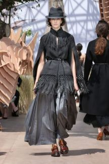 DIOR_Haute-Couture-AW2017-18_luxe.net__model