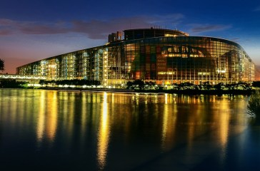 european-parliament-2224221_1280