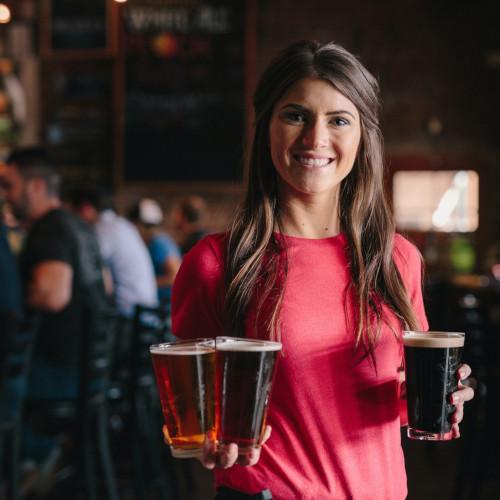 Serveuse bière Rivière d'Ain