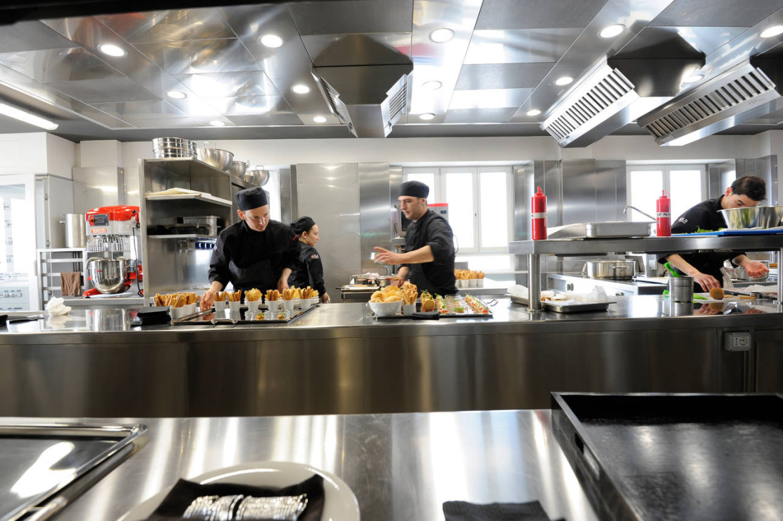 Cucina su misura per il ristorante Asola di Milano