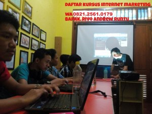 wa 0821.2561.0179 rivoandrewruntu.com kursus internet marketing murah, kursus internet marketing bekasiv