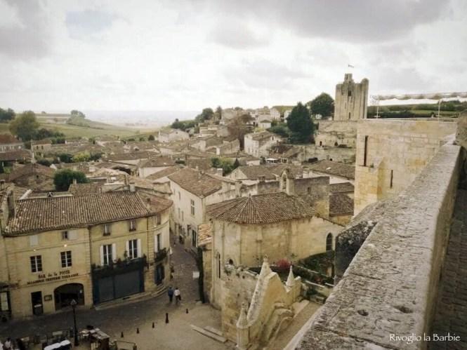 Vista da Place du Clocher Saint-Émilion