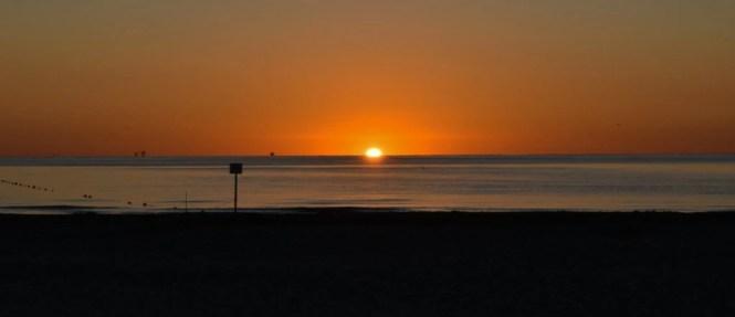alba a Rimini in spiaggia