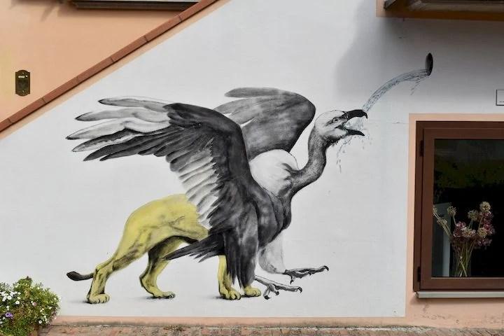 murales grifone dozza