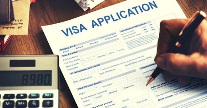Someone applying visa application for Umrah