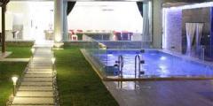 شاليهات ايفيان الحزم مساحة واسعة وألعاب مائية بسعر 500 ريال