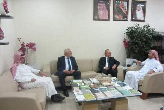 وفد تركي يزور مركز الملك عبدالله لخدمة اللغة العربية