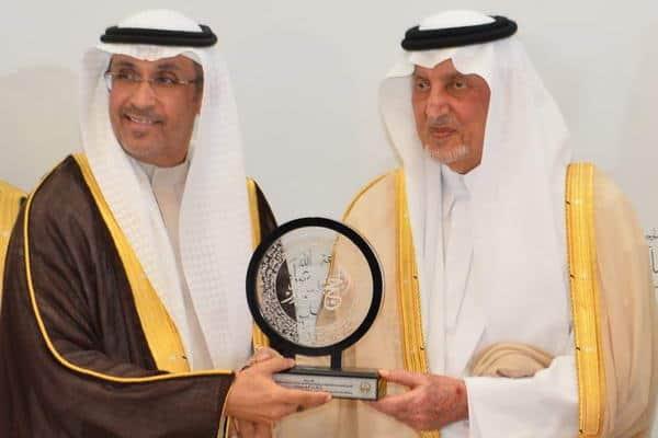 الأمير خالد الفيصل يكرم الاتصالات السعودية لدعمها حملة الحج عبادة وسلوك حضاري