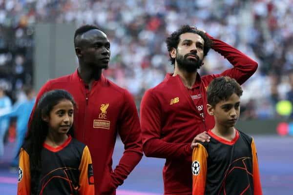 ماستركارد تحقق حلم طفلة سعودية لمرافقة أحد كبار نجوم كرة القدم على أرض ملعب نهائي أبطال أوروبا