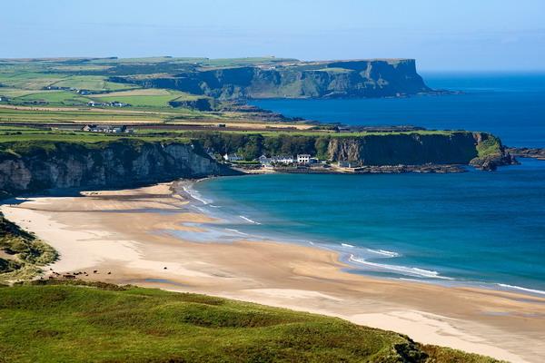 جزيرة أيرلندا.. طبيعة خلابة وأنشطة عائلية متنوعة