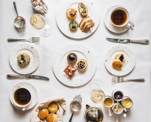شيراتون غراند لندن بارك لين يحتفي بحقبة العشرينيات مع تجربة شاي ما بعد الظهيرة