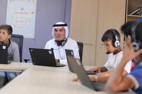 عبد العزيز الغرير، رجل الأعمال والمعطاء الإماراتي، يعلن عن إطلاق صندوق لتعليم اللاجئين عبر الانترنت في ظل فيروس كورونا المستجد (كوفيد-19)