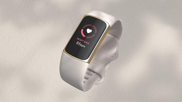 سوار Fitbit Charge 5 يرسي معايير جديدة لمفهوم القوة