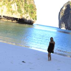 Au petit matin, découverte de la plage déserte de Koh Phi Phi Ley...