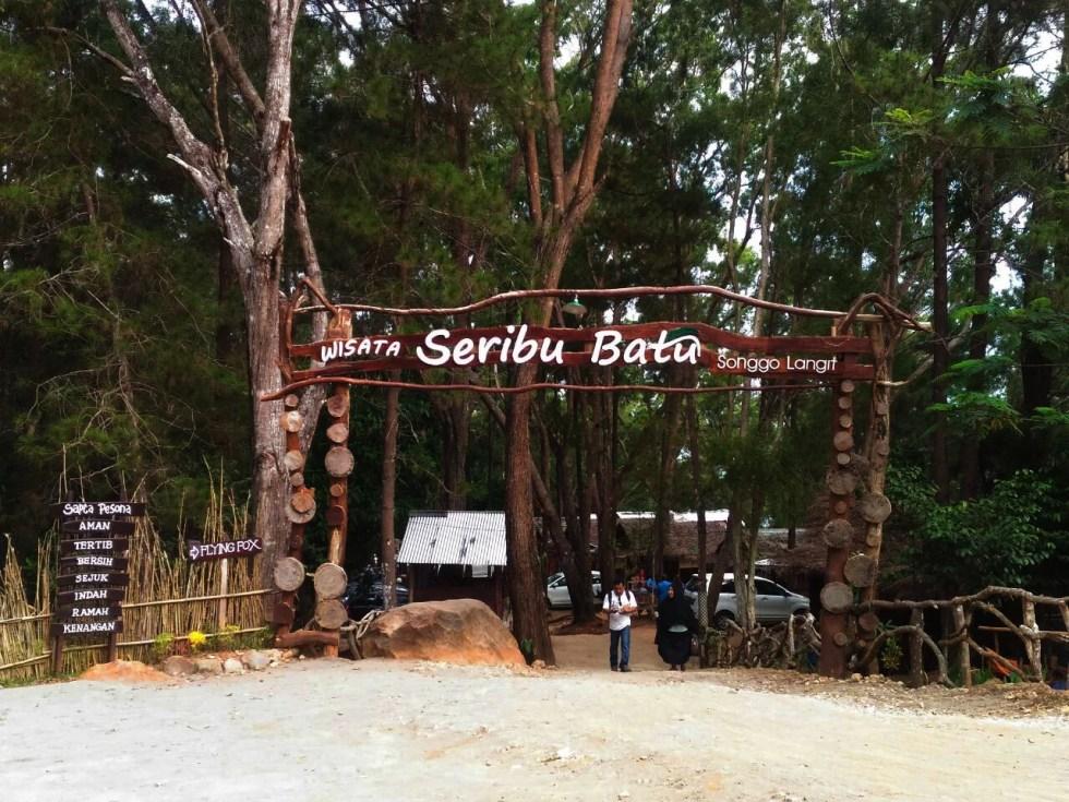 Pintu masuk Sewu Watu Songgolangit