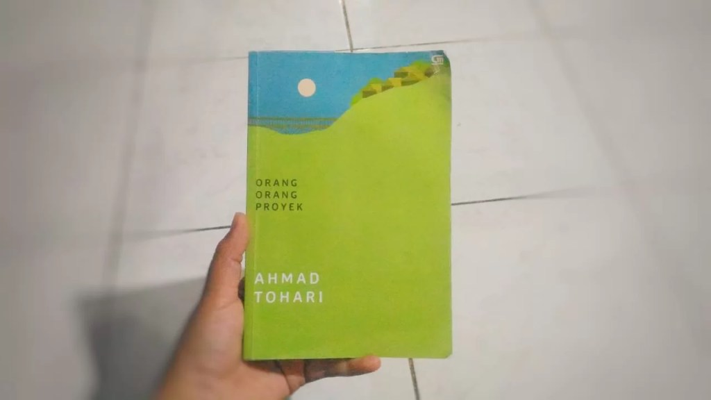 Resensi novel Ahmad Tohari