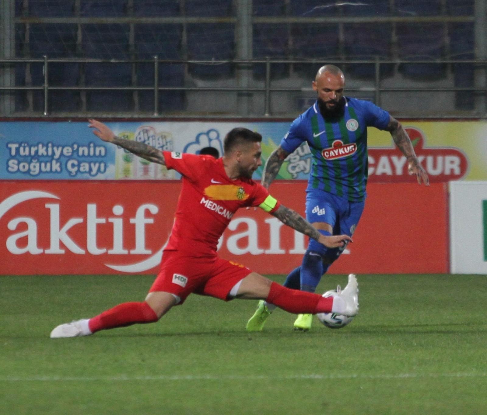 Süper Lig: Çaykur Rizespor: 0 – Yeni Malatyaspor: 2 (İlk yarı)