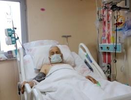 """88 yaşındaki hasta """"başparmak anjiyo"""" yönetimi ile hayata tutundu"""