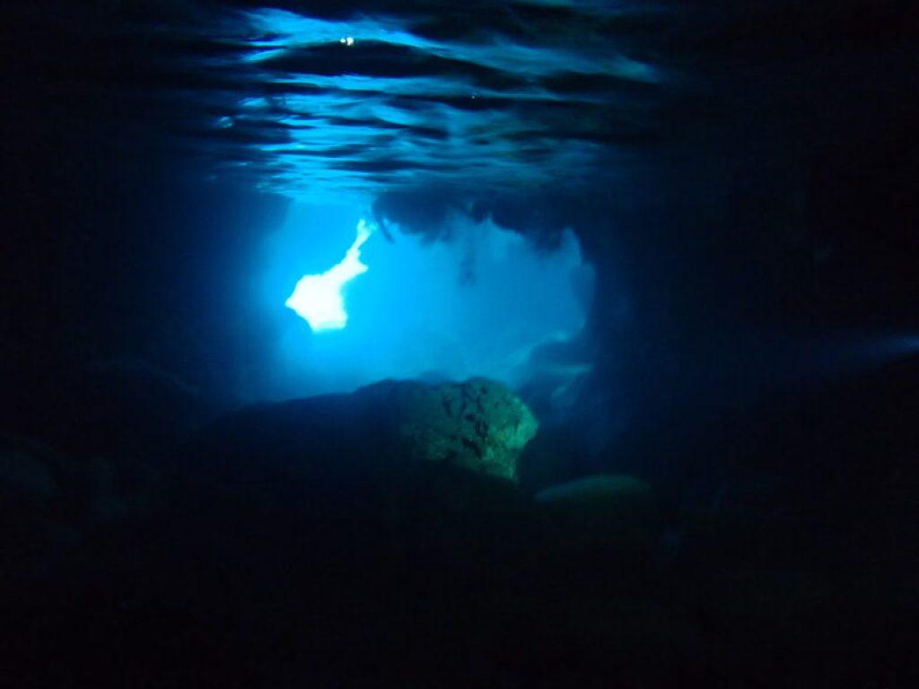 伊良部島 青の洞窟ツアー