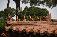 35 Qufu_roof_ornaments
