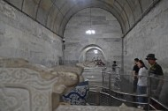 37 Beijing_tombs_artefacts2