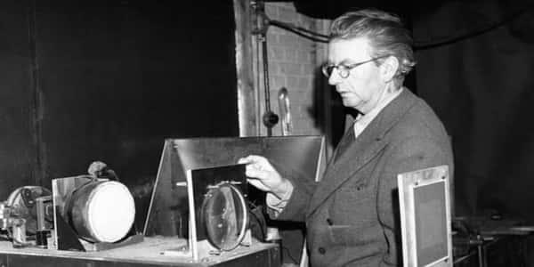 من هو مخترع التلفزيون - مجلة رجيم