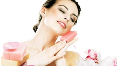 صورة كيف أجعل رائحة جسمي جميلة في كل وقت