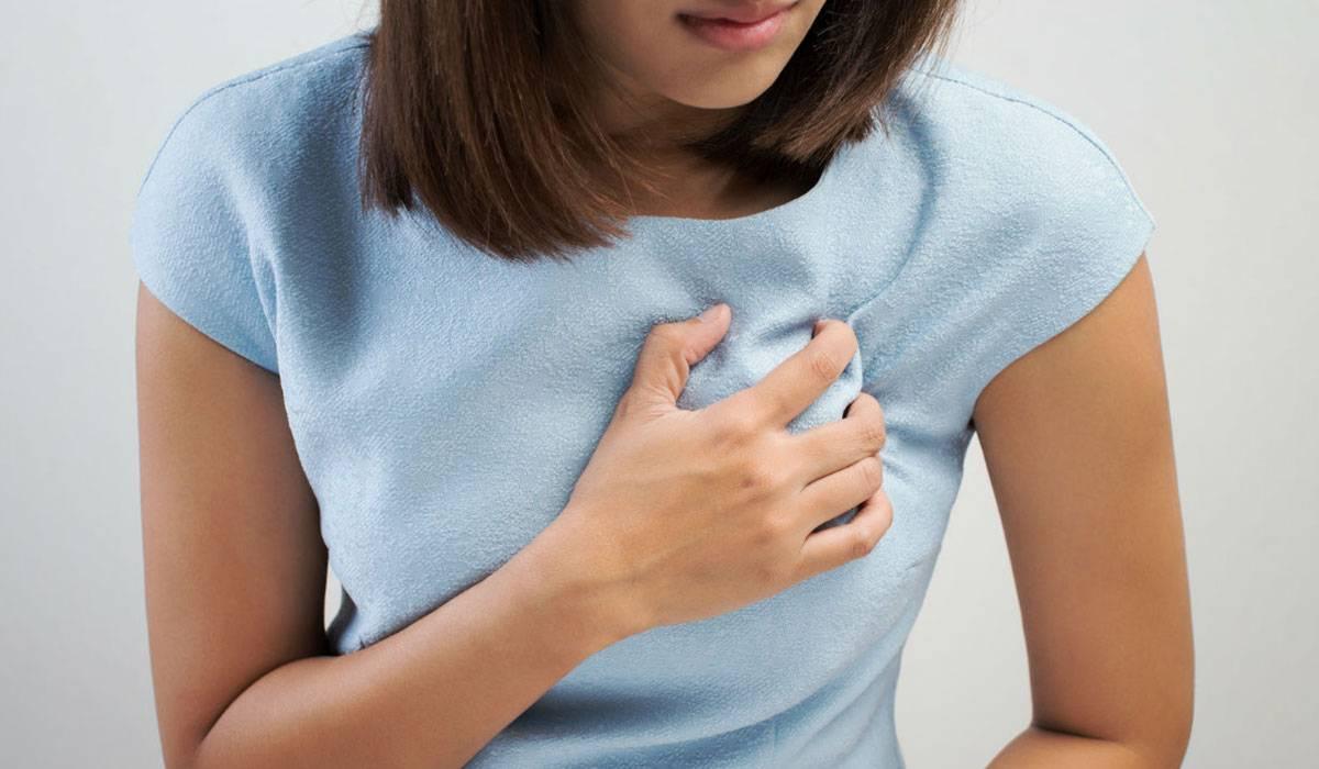 تسبب الرضاعة نغزات في الثدي