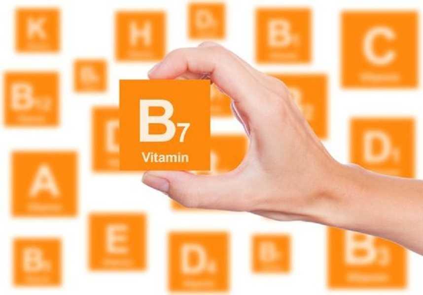 فيتامين B7