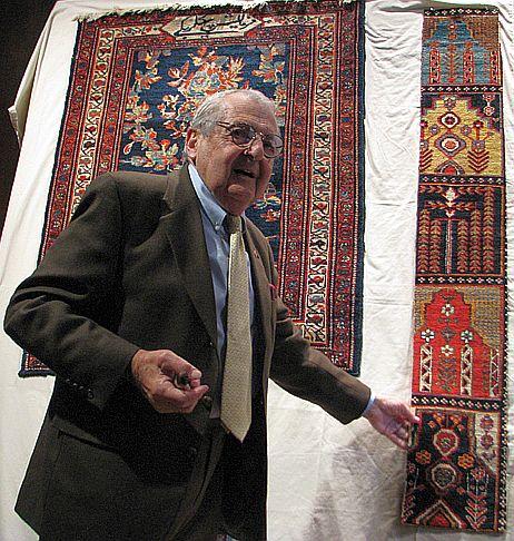 074 Harold pointing to Bakhtiyari fragment
