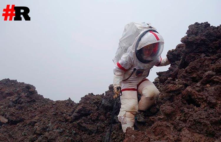 Участник экипажа моделируемой миссии на Марс