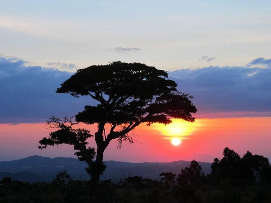 The sunset in trekking (Photo credit Yanchao)