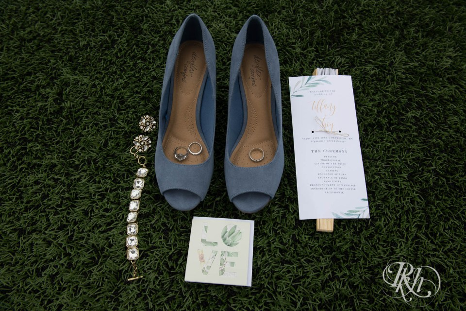 Wedding shoes and jewelry