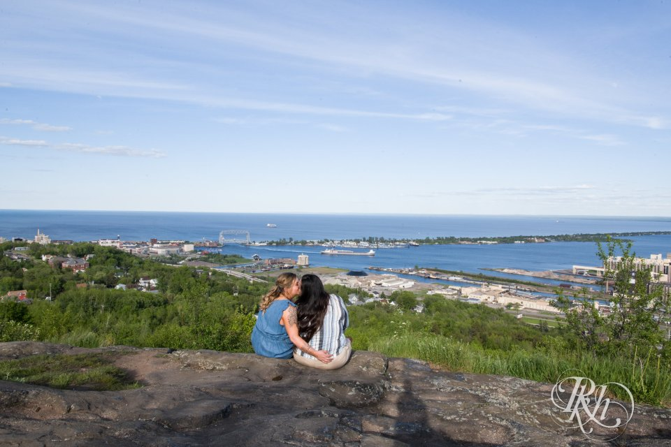 Duluth engagement photography