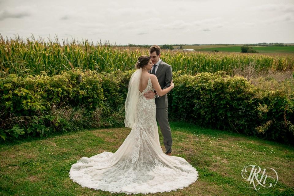 wedding couple cornfields