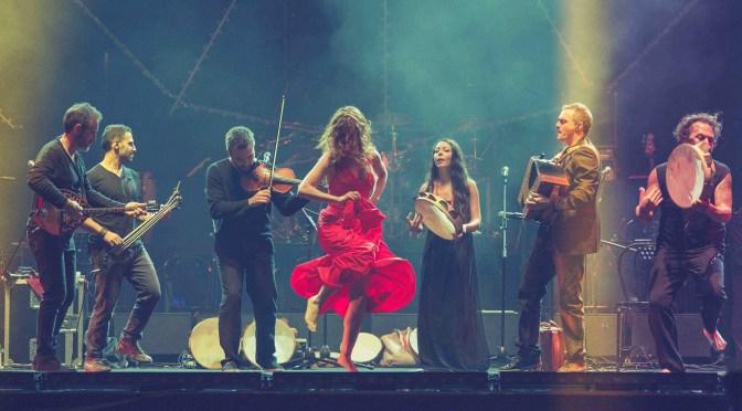 """Lunedì 15 giugno – Canzoniere Grecanico Salentino per """"Live is life"""" al Castello Volante di Corigliano d'Otranto e sul web"""