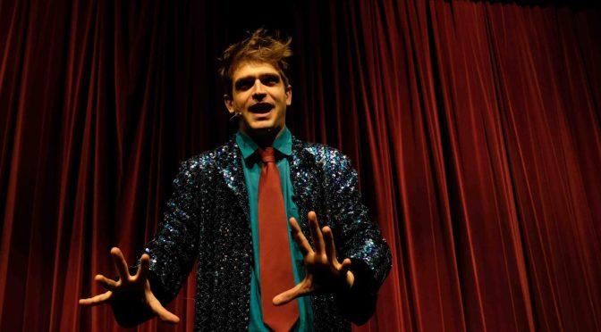 Kismet. Un'ora di stand-up comedy con il comico più alto d'Italia!
