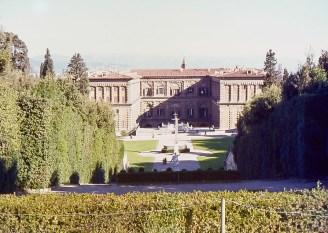 Le palais Pitti vu des jardins de Boboli