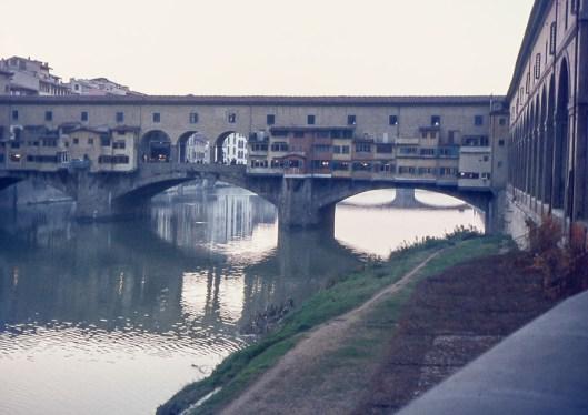 Le ponte Vecchio sur l'Arno.