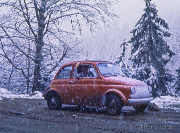 Petite neige inquiétante dans les montagnes du Monténégro