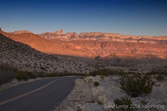 La route de Boquillas Canyon au coucher de soleil