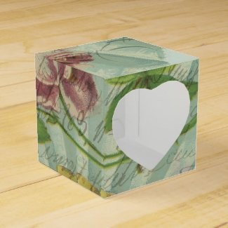 Decorated Valentine Fan Favor Boxes